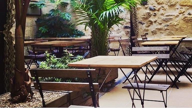 The incredible patio at Palo Alto Café-téria/ Courtesy of  Palo Alto Café-téria