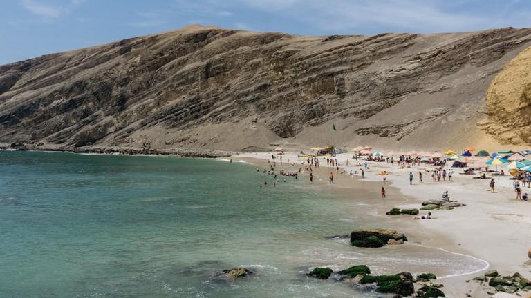 La Mina beach in Paracas