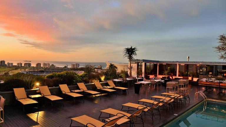 Zenith Rooftop Bar