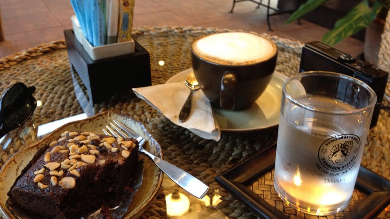 Coffee and cake at Pangkhon Coffee