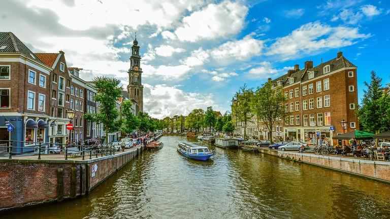amsterdam-1978336_1920-4-1024x690