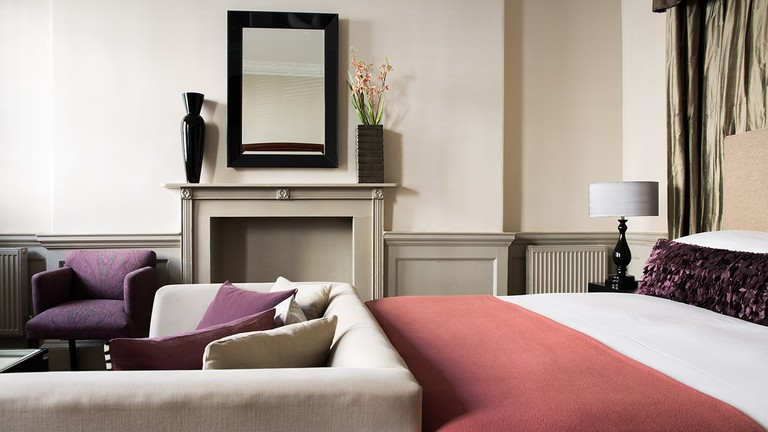 Bedroom | Courtesy of The Queensberry Hotel