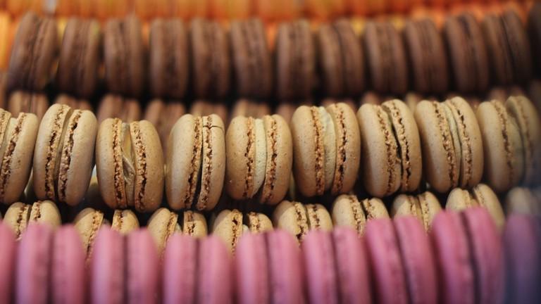 macarons-732021_1280