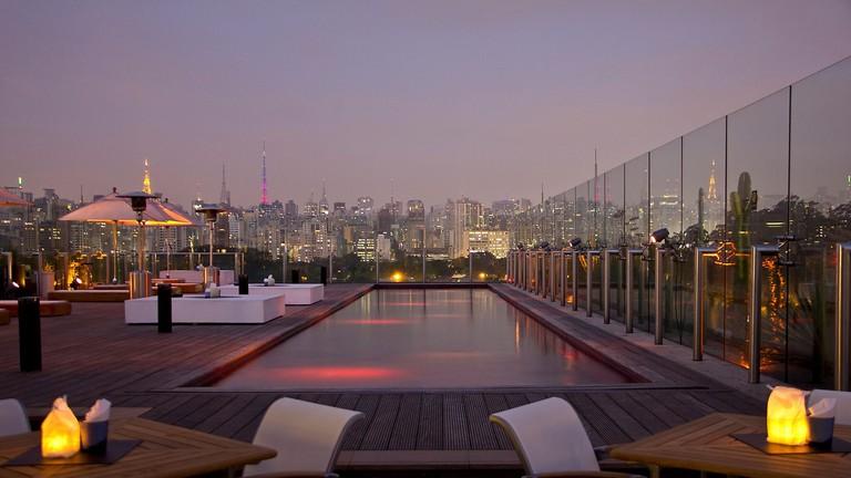 Skye rooftop bar, São Paulo