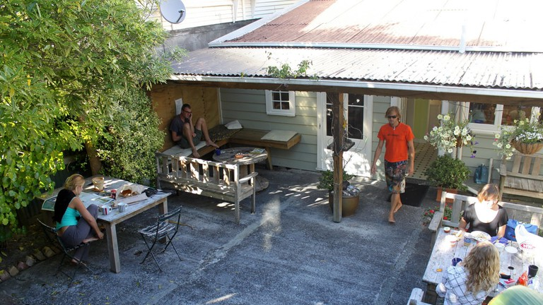 New Zealand: The Brown Kiwi Hostel in Auckland