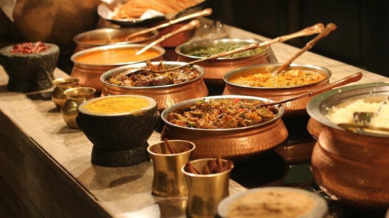 https://pixabay.com/en/buffet-indian-food-spices-lunch-315691/