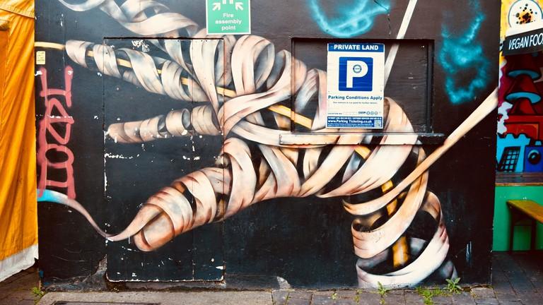 Cool and creepy graffiti