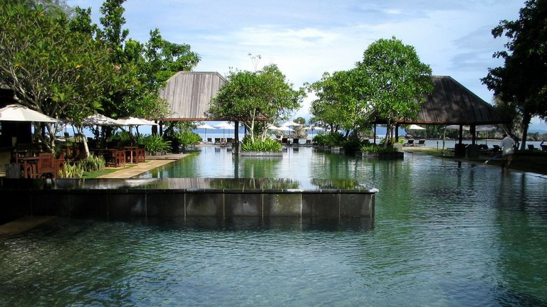 Relaxation by the pool in Tanjung Rhu Resort