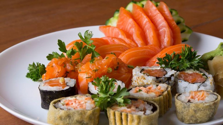 Salmon sushi   (c) Yosuki Sushi House