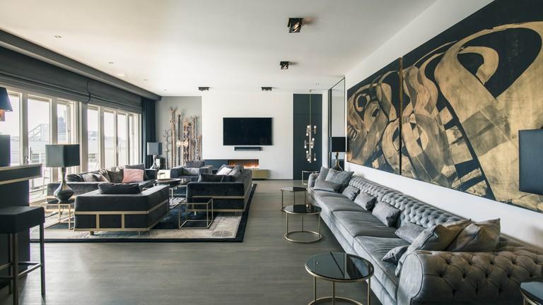 02-Monbijouplatz-Penthouse-Suite030-Luxus-Wohnzimmer