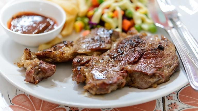 https://pixabay.com/en/steak-beef-plate-grilled-meat-1587700/12nashville1