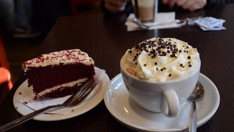 Red velvet cake and hot chocolate CC0 Pixabay