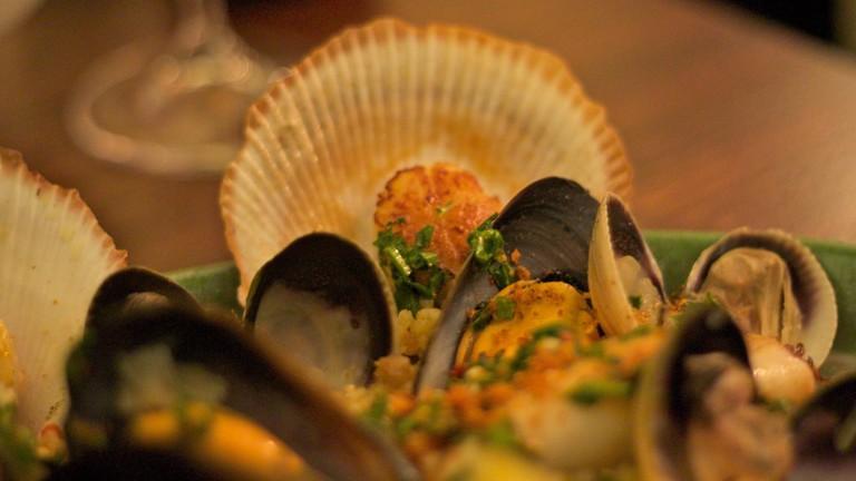 Delicious paella | © Tristan Kenney/Flickr