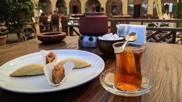 Tradtional Azerbaijan Tea | © C980040/WikiCommons