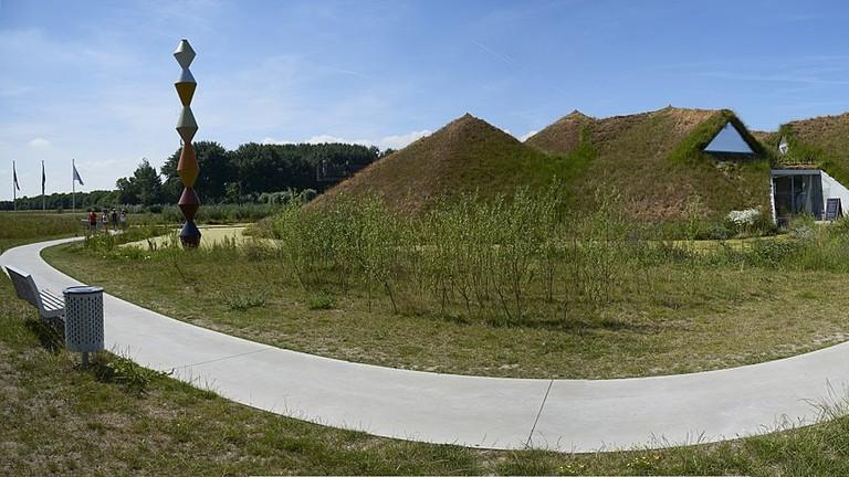 1200px-Biesbosch_MuseumEiland_A1265-1268 (1)