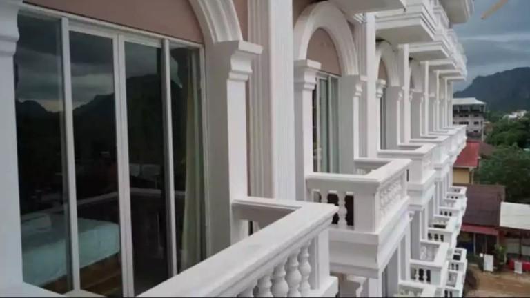 Balconies | Roung Nakhon Vang Vieng Palace/Hotels.com