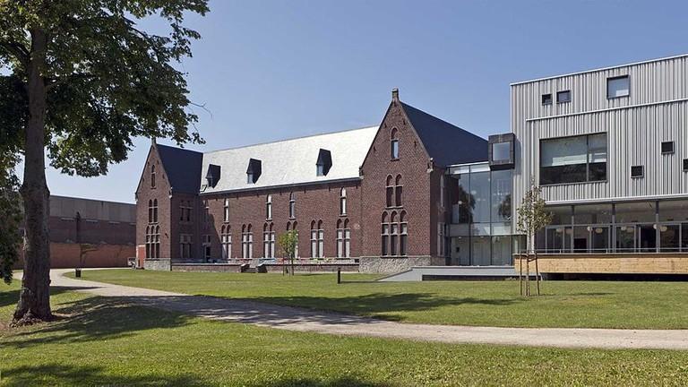 1024px-Charleroi_musee-de-la-photographie_050711