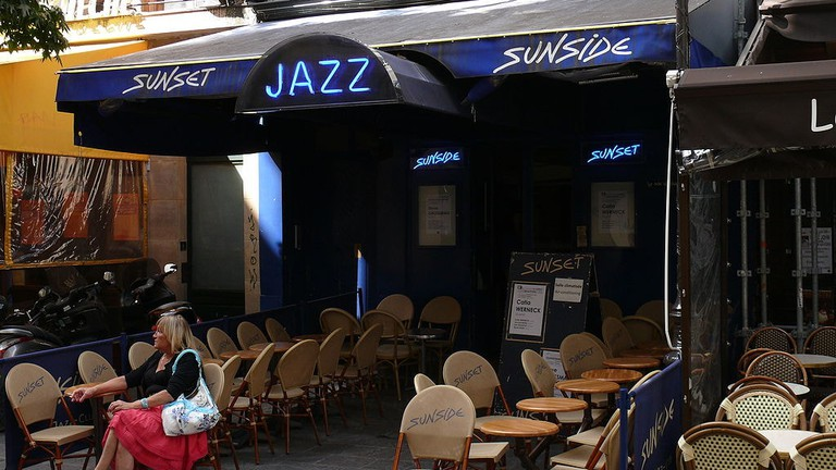 1024px-Sunset-Sunside_-_Paris