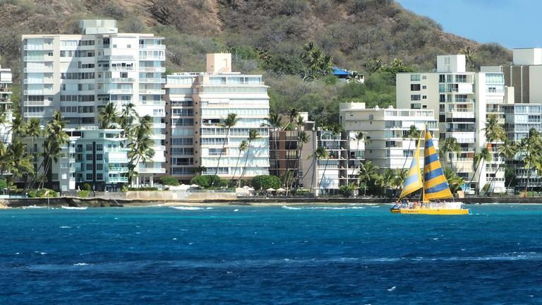 Waikiki catamaran | © Keith Roper/Flickr