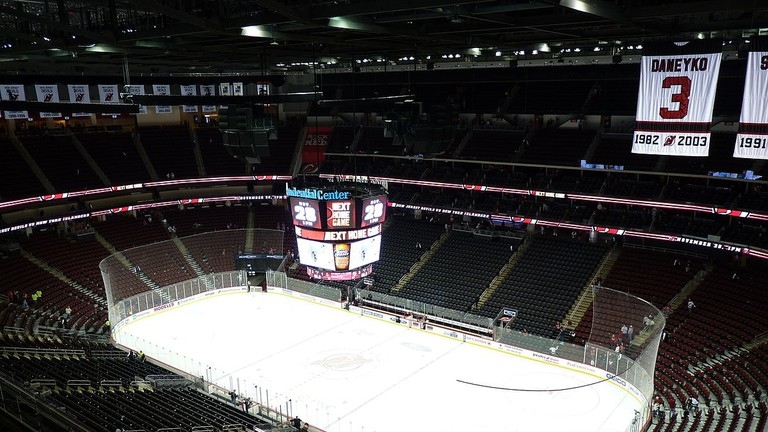 1200px-Prudential_Center_hockey_rink