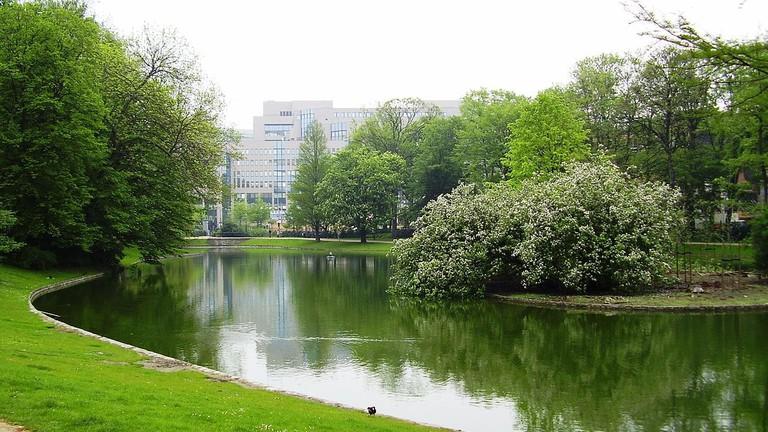 1280px-Parc_Léopold-Bruxelles04
