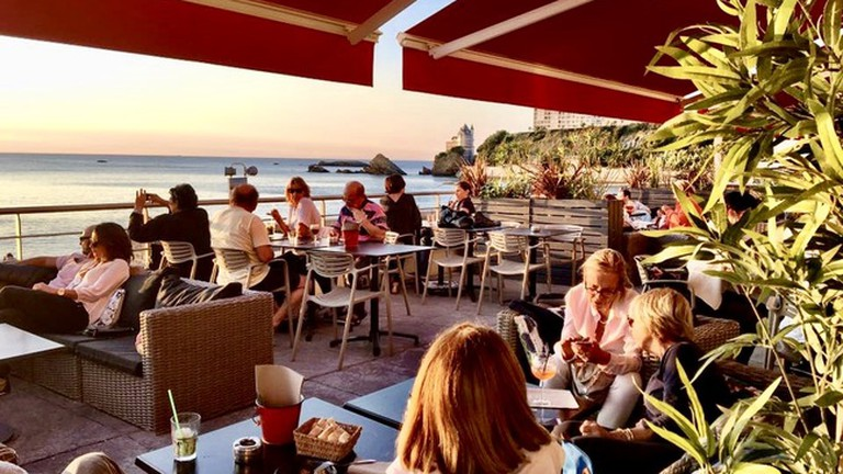 Spend the evening at Bar de la Côt