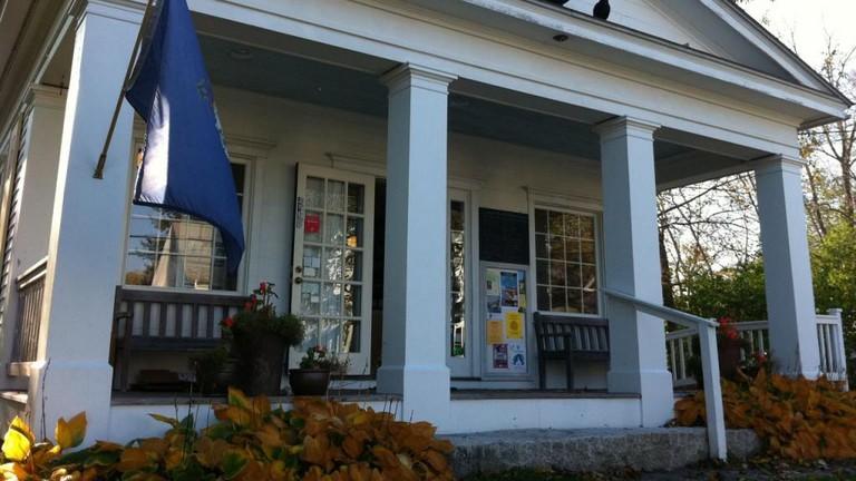 Blue Hill Books, Maine