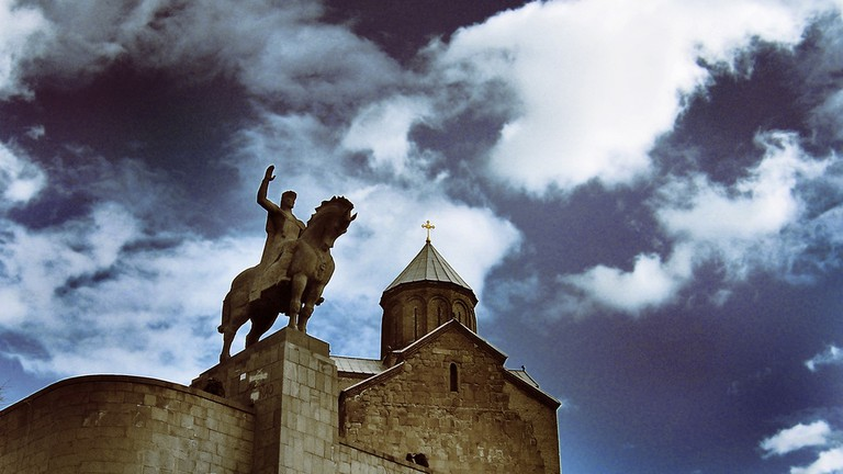 Metekhi Church and Statue of the King Vakhtang
