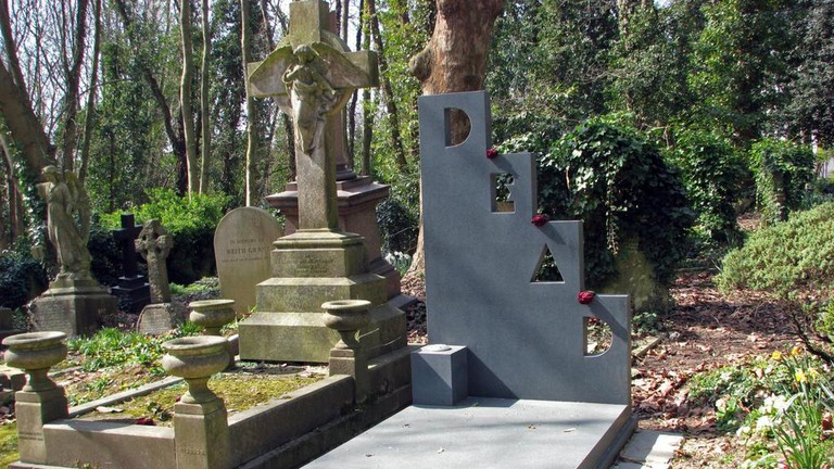 Patrick Caulfield's grave at Highgate Cemetery