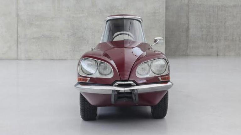"""Gabriel Orozco, """"La DS Cornaline"""", modified Citroën, 2013"""