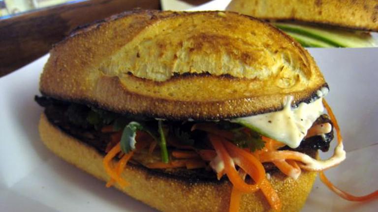 Peppercorn catfish sandwich at Num Pang