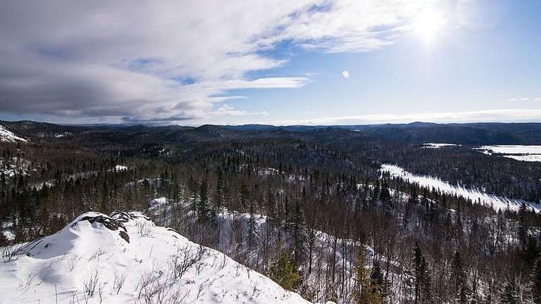 https://commons.wikimedia.org/wiki/File:2016-12_Monts_Valin_winter_05.jpg