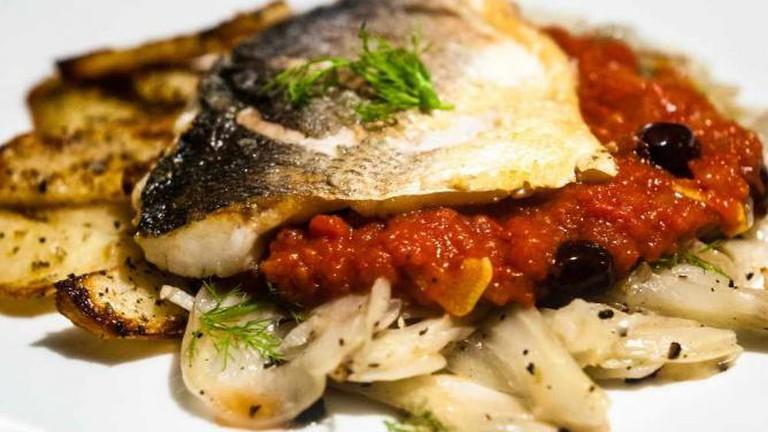 Sea bass, fennel and tomato