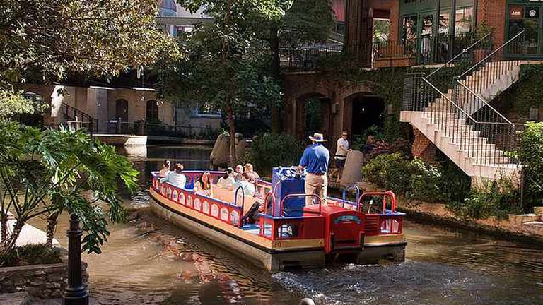 San Antonio Boat Tour
