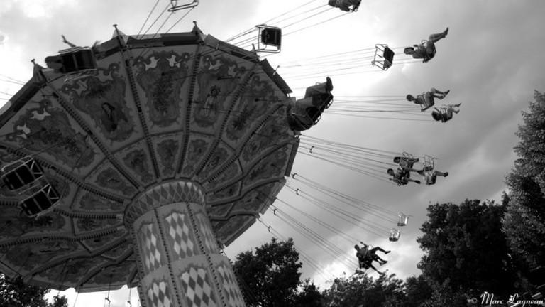 Flying Parisians at the Jardin d'Acclimatation