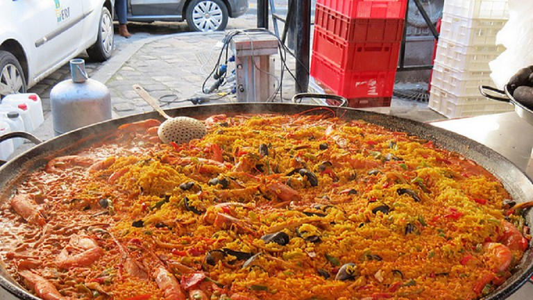 Paella a la Cauldron