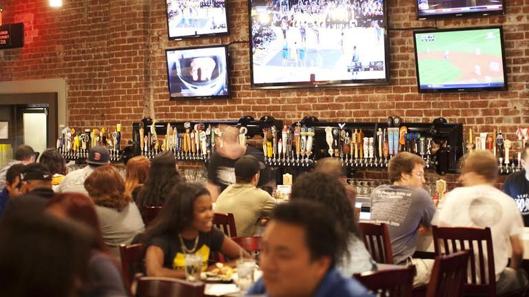 50/50 Pasadena's 101 taps