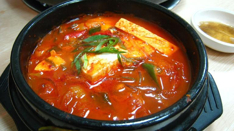 Korean stew-Kimchi jjigae-01
