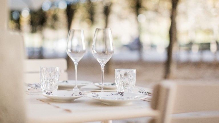 Glasses on the table at the Restaurant Palais Royal