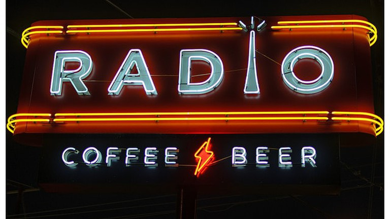 Radio Coffee and Beer | © Seth Anderson / Flickr