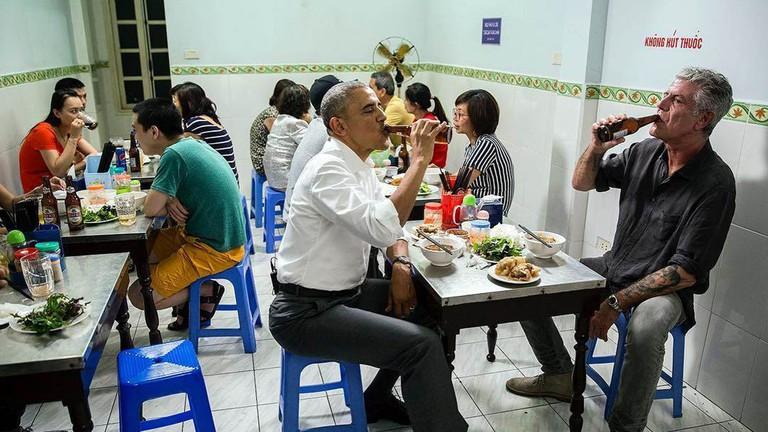 Obama eating bun cha   © manhhai/Flickr