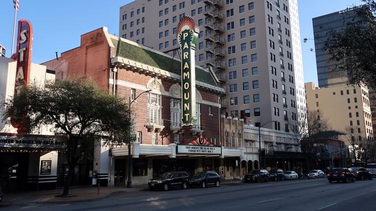 paramount theater congress avenue