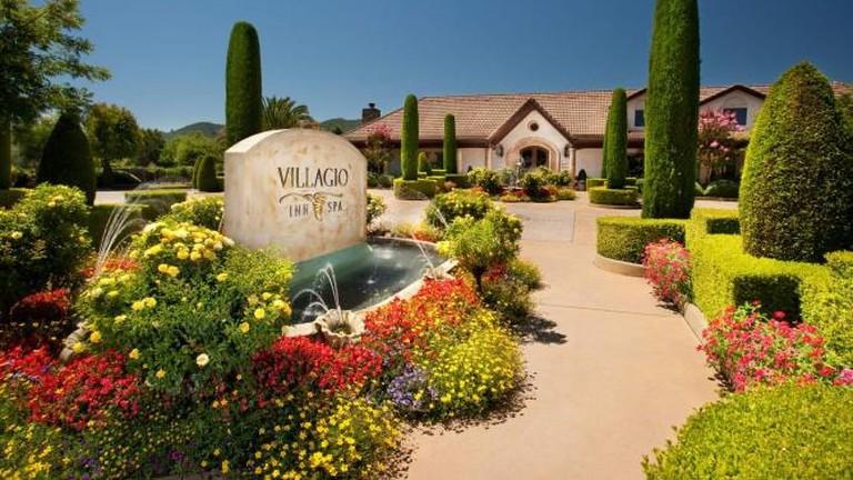 56-3978659-villagio-entrance-with-garden