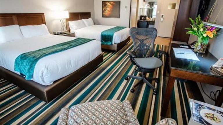 56-4004968-hotel
