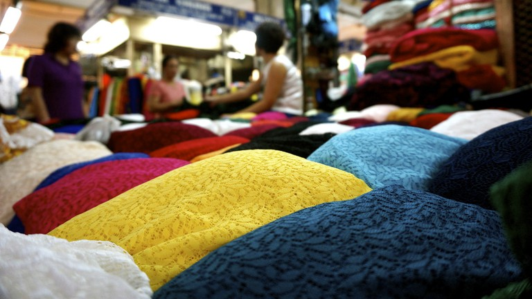 Fabrics in An Dong Market | © Thomas Graindorge/Flickr