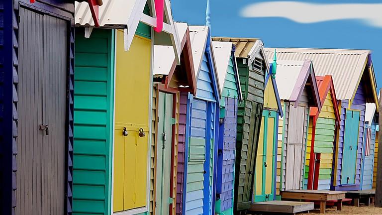 Bathing boxes in Brighton © Bernard Spragg / Flickr