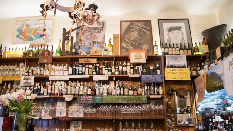 Aperitivo hour at Cantine Isola in Chinatown, Milan | Courtesy Cantine Isola