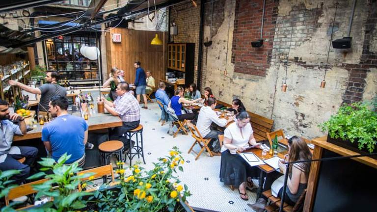 Montmartre Restaurant Courtyard