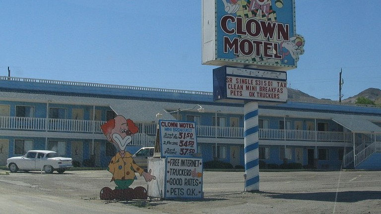 Clown_Motel,_Tonopah,_Nevada