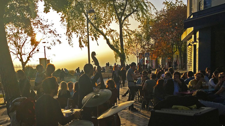 concert-terrasse-paris-coucher-soleil-restaurant-moncoeur-belleville